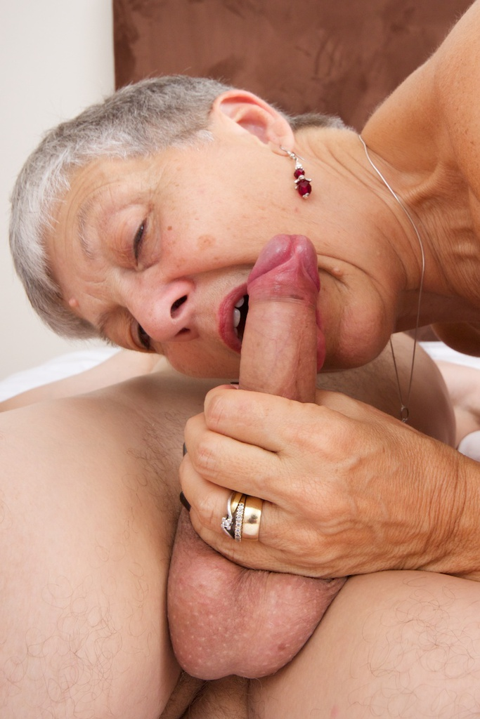 Mature Housewife Acquires A New Treat